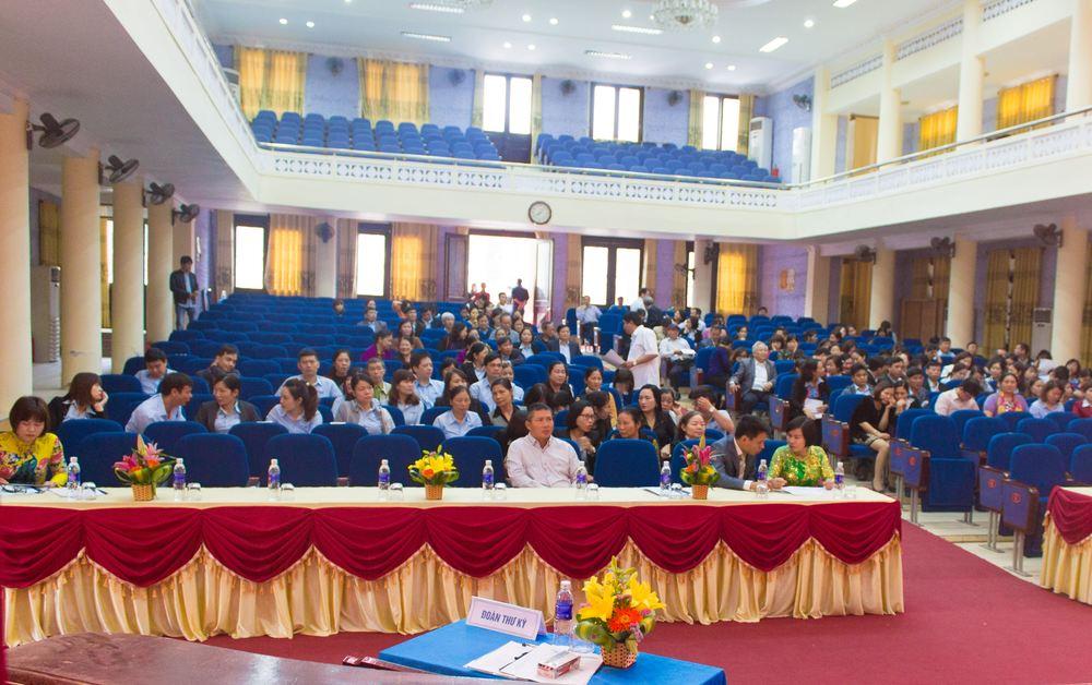 Các cổ đông tham gia đại hội